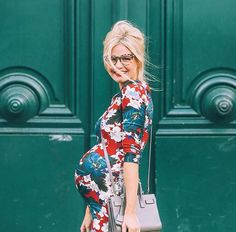Arc de Triomphe - Barefoot Blonde by Amber Fillerup Clark Stylish Maternity, Maternity Wear, Maternity Dresses, Maternity Fashion, Maternity Styles, Maternity Photos, Pregnancy Looks, Pregnancy Outfits, Pregnancy Photos