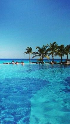 Hyatt Zilara Cancun blue waters and clear skies, making the perfect couples get away.