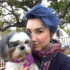 Loving this denim blue pixie cut!