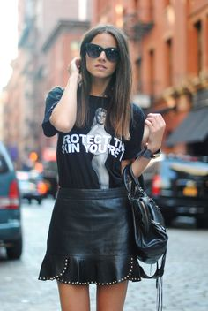 There's something about a leather skirt that always makes an outfit come together. Whether you're heading to work or to a weekend coffee date, below are some leather skirts that are worth adding to your… View Post Fashion Moda, Womens Fashion, Fashion Trends, Style Fashion, Skirt Fashion, Fashion Styles, Fashion Photo, Mode Style, Style Me