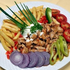Egy finom Serpenyős gyros ebédre vagy vacsorára? Serpenyős gyros Receptek a Mindmegette.hu Recept gyűjteményében! My Recipes, Dinner Recipes, Favorite Recipes, Healthy Recipes, Healthy Foods To Eat, Healthy Eating, Hungarian Recipes, Hungarian Food, Balanced Diet