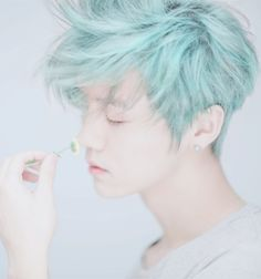 asian-asian-boy-blue-hair-boy-Favim.com-2754967.png (500×535)
