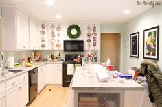 A few months back I gave you a glimpse into our real lives and shared what our house typically looks like. I also teamed up with 5 other bloggers to show how our houses really looked. Well, we're doing it again, my friends. Only today is the Christmas Edition. Now, I should add that this …