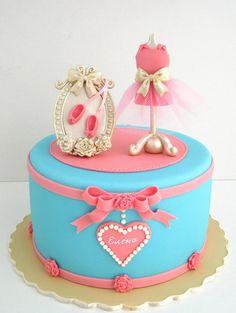 Girly cake! luv itt <3