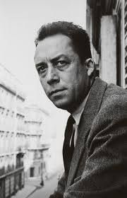 """""""No frio do inverno, finalmente aprendi que dentro de mim existe um insuperável verão"""". (Albert Camus)"""