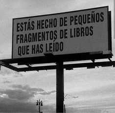 Read Frase 44 from the story Frases de lectores by Isabella-Sky (✧☆✧C✧☆✧) with 106 reads. I Love Books, Books To Read, Book Quotes, Life Quotes, Qoutes, Book Fandoms, Inspire Me, Book Worms, Book Lovers