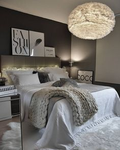 bedroom aesthetic black and white Home Decor Bedroom, Interior Design Living Room, Living Room Decor, Cool Apartments, Dream Rooms, My New Room, Room Inspiration, Bedrooms, Videos