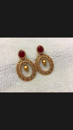 Great precious jewelry pertains to any precious jewelry made from precious metals like gold and valuable stones like diamonds. These are the type of pieces you'll typically find in high-end jewelry stores in department stores and shopping malls. Gold Jhumka Earrings, Jewelry Design Earrings, Gold Earrings Designs, Gold Jewellery Design, Gold Designs, Jewelry Designer, Diamond Jewellery, Gold Jewelry Simple, India Jewelry