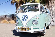 Volkswagen : Bus/Vanagon 15 window deluxe