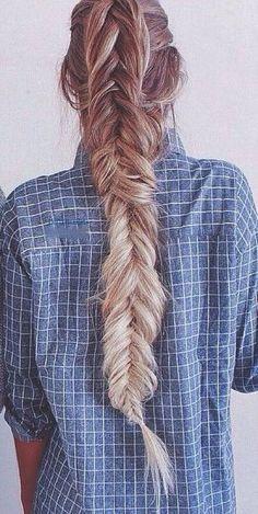 Gorgeous, long ombre braid.