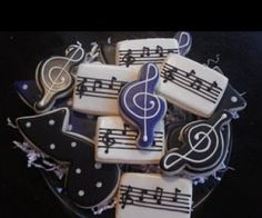 Teen Boy Birthday Cake, Birthday Cakes, Music Cookies, Royal Icing Sugar, Cupcake Cakes, Cupcakes, Rock Star Party, Iced Biscuits, Graduation Cookies