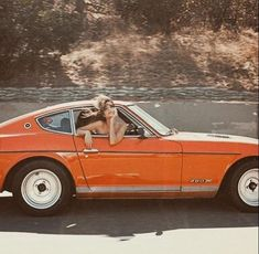 Orange aesthetic vintage retro car - Before After DIY Orange Aesthetic, Summer Aesthetic, Aesthetic Vintage, Aesthetic Photo, Aesthetic Pictures, Aesthetic Collage, 1970s Aesthetic, Aesthetic Drawings, Aesthetic Pastel