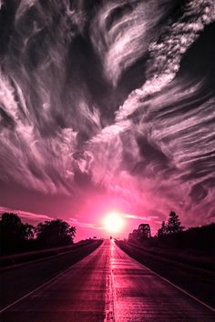 Glorious pink hued sunset with wispy clouds . Beautiful Sunset, Beautiful World, Beautiful Places, Stunningly Beautiful, All Nature, Amazing Nature, Pretty Pictures, Cool Photos, Amazing Photography