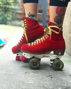 "1,833 Likes, 23 Comments - Moxi Roller Skate Shop (@moxiskateshop) on Instagram: ""Custom Moxi set up with Poppy Lolly boots, Spark gold laces, Avanti Magnesium plates, Chaya bomber…"""