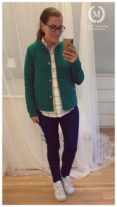 #FletteMia • Green Cardigan: #KappAhl •  White and Dark Blue Shirt: #HM • Jeans: #HM • Trainers: #Adidas Dark Blue Shirt, Putting Outfits Together, Green Cardigan, Colorful Cakes, Cute Shoes, My Wardrobe, Trainers, Photo And Video, My Style