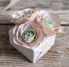 DIY Paper Ranunculus Gift Topper