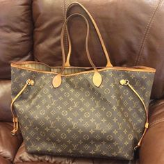 Lowest Prices Fashion Handbags 2015 New Louis Vuitton Handbags Outlet Save Shop Now! New Louis Vuitton Handbags, Louis Vuitton Sale, Louis Vuitton Neverfull Mm, Cheap Handbags, Purses And Handbags, Handbags Online, Fashion Handbags, Fashion Bags, Fashion Models