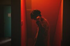 Image de blue, boy, and grunge Red Aesthetic, Aesthetic Grunge, Cinematic Photography, Portrait Photography, Saeyoung Choi, Mystic Messenger, At Least, Wattpad, Photoshoot