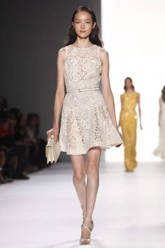 Love it. I think Elie Saab is my new favorite designer.