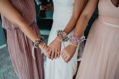 Armbänder für die <b>Trauzeugin</b> und den <b>Brautjungfern</b>