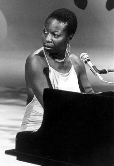 A Netflix Mini Syllabus on Black History Nina Simone, Soul Jazz, Refinery 29, Famous Movie Quotes, Gone Girl, Miles Davis, Jazz Blues, Cultural, Pretty Black