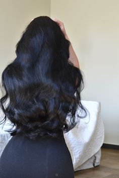Pin on Inspirations to not cut/color hair Long Black Hair, Dark Hair, Beautiful Long Hair, Gorgeous Hair, Curly Hair Styles, Natural Hair Styles, Pretty Hairstyles, Hair Goals, Hair Inspiration