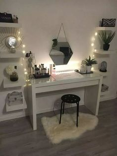 dream rooms for women ~ dream rooms . dream rooms for adults . dream rooms for women . dream rooms for couples . dream rooms for adults bedrooms . dream rooms for adults small spaces Cute Bedroom Ideas, Cute Room Decor, Girl Bedroom Designs, Room Ideas Bedroom, Girls Bedroom, Master Bedroom, Girly Bedroom Decor, Bedroom Desk, Budget Bedroom
