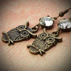 Vintage Rhinestone Earrings, Owl, Antiqued Brass, Crystal, Jewelry - Love these owl earrings!