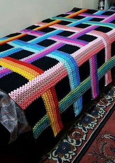 Hello, my friends who like crochet like me. Today, our tip is that we will learn about this beautiful Woven Ribbon Afghan crochet pattern. Crochet Crafts, Crochet Projects, Free Crochet, Crochet Bear Patterns, Crochet Stitches, Crochet Ideas, Crochet Bedspread, Crochet Afgans, Manta Crochet