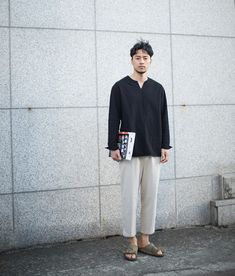 Here's Fashionable spring korean fashion Look Fashion, Trendy Fashion, Japan Fashion, Japanese Streetwear, Korean Fashion Trends, Japanese Men, Fashion Videos, Minimal Fashion, Japanese Minimalist Fashion