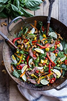 Thai Steak Salad w/Sweet + Spicy Tahini Dressing and Sesame Chili-Lime Cashews. boeuf Thai Steak Salad w/Sweet + Spicy Tahini Dressing and Sesame Chili-Lime Cashews. Good Steak Recipes, Beef Recipes, Cooking Recipes, Healthy Recipes, Spicy Recipes, Cooking Tips, Thai Steak Salad, Beef Salad, Half Baked Harvest