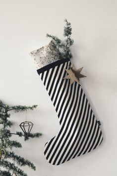 Stocking (Black Stripe)