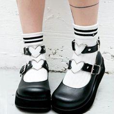 Mary Janes, Kawaii Shoes, Kawaii Clothes, Dr Shoes, Me Too Shoes, Ropa Color Pastel, Bobbies Shoes, Black Mary Jane Shoes, Mode Lolita