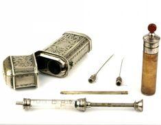 Cased Opiate Syringe Set - what's inside