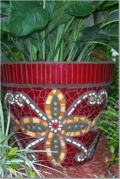 Beautiful mosaic planter by Julie McKee