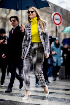 Paris Fashion Week Street Style Fall 2018 Day 4 - The Impression