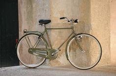 BICI GANNA MODELLO FIRENZE LUSSO R VIAGGIO UOMO  COLORI: GRIGIO GANNA - PISTACCHIO - NERO  PER ULTERIORI INFORMAZIONI SUL PRODOTTO:  http://www.ganna-retro.it/it/biciclette/uomo_6_22.htm