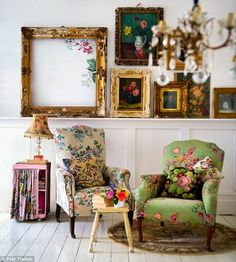 Vintageandart: Walls, Wallpaper and Wedding Dress.