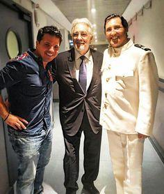 Plácido Domingo con el tenor Jorge de León.  Madrid   Teatro Real.  Opera Madama Butterfly.  2017.