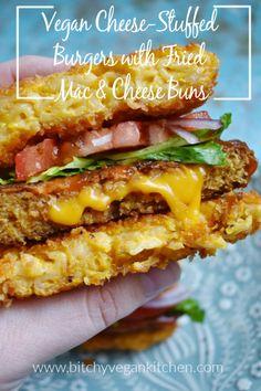 Vegan Cheese-Stuffed Burgers with Fried Mac and Cheese Buns Vegan Cheese-Stuffed Burgers with Fried Mac and Cheese Buns Linde Sweet lindesweet must try A gooey cheese-stuffed burger with fried nbsp hellip Cheese burger Mac And Cheese Burger, Fried Mac And Cheese, Vegan Mac And Cheese, Vegan Foods, Vegan Dishes, Vegan Vegetarian, Vegetarian Recipes, Vegan Beef, Vegan Burgers