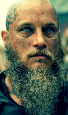 RaGnar. When his eyes glow like this, I swear it's Odin shining thru him! #sorryfangirled