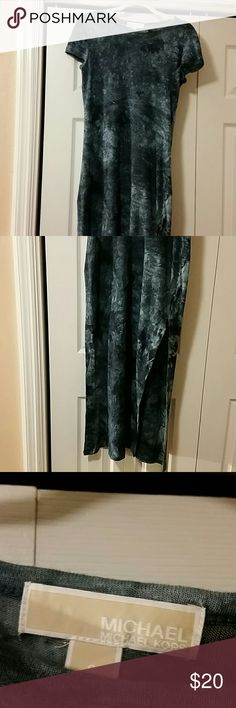 """Michael Kors Tie-Dyed Maxi Dress NWOT  100% linen. Dark and light blue tie-dyed effect maxi dress with a gold metal Michael Kors label on the outside right below the collar.  Measures approximately 54"""" long,  15"""" shoulder to shoulder and about 16"""" across at waist . Sporting a sexy slit about 23""""from hem on both sides. Michael Kors Dresses Maxi"""