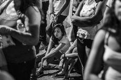 Tem horas que simplesmete cansa. #observandooum #brainstormdiario . . . . . . . . #streetphotography #streetleaks #candidphotography #fotografiaderua