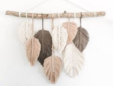 Vendroo™ > Home Décor > Hand Crafted Macrame Feather Wall Hanging Macrame Wall Hanging Patterns, Yarn Wall Hanging, Macrame Patterns, Driftwood Macrame, Diy Workshop, Macrame Projects, Feather Art, Macrame Modern, Feathers