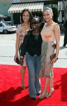 Tia & Tamera Mowry with their mother, Darlene Flowers
