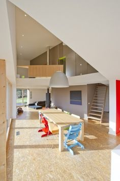 Image 4 of 14 from gallery of House Van de Vecken / Artau Architecture. Courtesy of Artau Architecture Chipboard Interior, Plywood Interior, Home Deco, Interior Architecture, Interior And Exterior, Floor Design, House Design, Simple Dining Table, True Homes