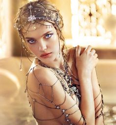 Guerlain holiday 2016 makeup collection by Natalia Vodianova