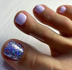 Toenail design is important as your fingernails, especially during the spring and summer. we've collected 42 trending toenail art designs for achieving an impeccable toenail design. Glitter Toe Nails, Gel Toe Nails, Simple Toe Nails, Pretty Toe Nails, Summer Toe Nails, Cute Toe Nails, Sparkle Nails, Toe Nail Art, Gel Toes