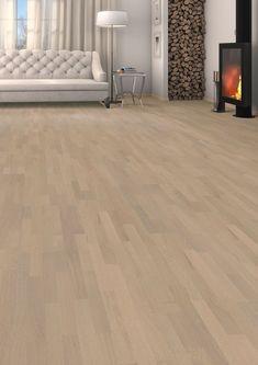 Parketgulv i børstet Eg med hvid olie Basement Flooring, Woodland Party, Pearl Grey, Floor Design, Tile Floor, Hardwood Floors, Traditional, Home Decor, Recherche Google