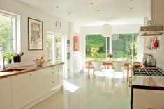 Mid Century Modern Kitchen Modern Kitchen Cabinets, Modern Kitchen Design, Kitchen Flooring, New Kitchen, Amtico Flooring, Kitchen Living, Kitchen Ideas, Awesome Kitchen, Kitchen Trends